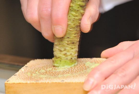 Grating fresh wasabi 1