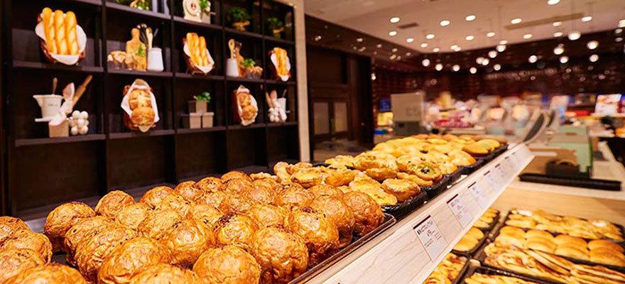 Royce' 巧克力也有麵包店?!北海道新必吃美食!