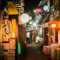 用最日本的方式逛昭和风韵老街新宿黄金街