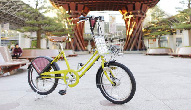 From gold leaf sweets to retro variety stores, explore more of Kanazawa by rental bike!