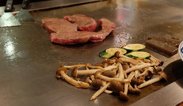 เนื้อนุ่มชุ่มลิ้น ใครๆก็ไปกิน Kobe Beef ที่ Steak Land ในโกเบ