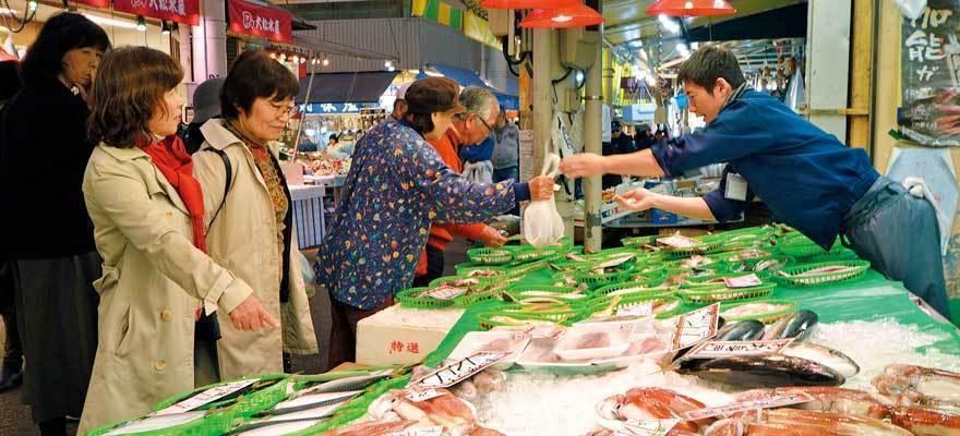 배고픈 자들이여 오라! 카나자와/오미초시장 먹방 코스