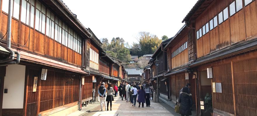 金澤必訪景點:東茶屋老街散步,探尋道地和風雜貨與金箔美食