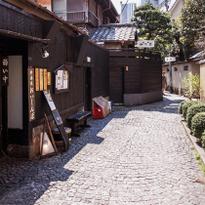 漫步神樂坂的9大魅力!石磚道小徑裡的歐風日本,品味東京舊時風情。
