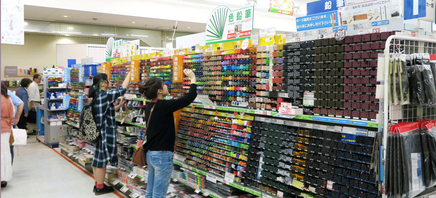 Sekaido Store in Shinjuku, 5 Floors of Discounted Art Supplies