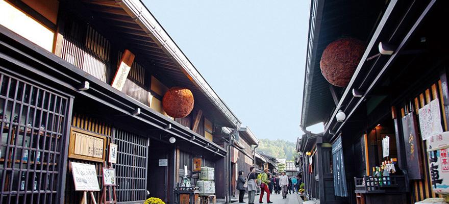 ตะลุยชิมให้พุงกางที่เมืองเก่าสมัยเอโดะ ฮิดะทาคายาม่า ซันมะจิ