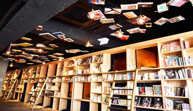 도쿄 BOOK AND BED 숙박 체험기