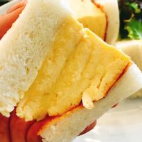 文青最愛神樂坂!超厚銷魂玉子燒三明治就在「LA MADRAGUE」咖啡廳