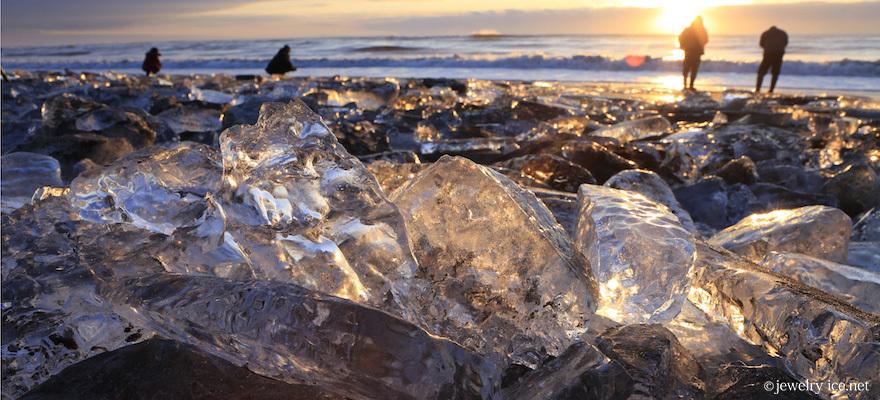 唯⼀無⼆!北海道の絶景 宝⽯の様な輝きを放つ厳冬のジュエリーアイス