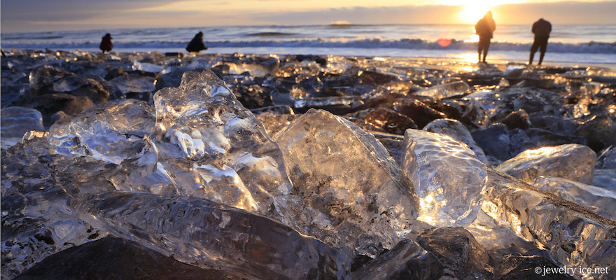 Jewelry Ice: This Beach in Hokkaido Fills With Glittering Gemstones in Winter