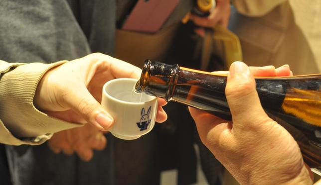Walking Sake Tasting in Nihonbashi