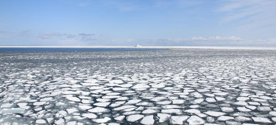 浩瀚无边气势宏伟的流冰风景