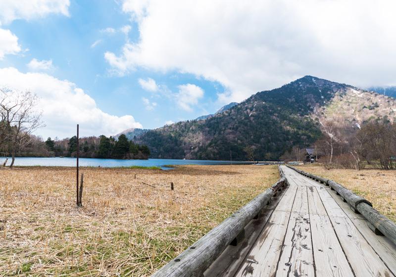 湯之湖湖畔~湯瀑布 健行道
