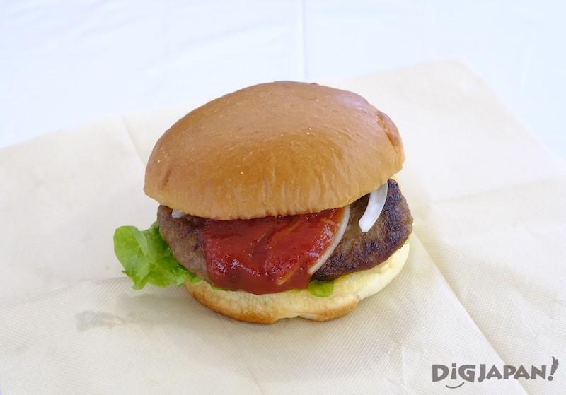 TSUDOME會場 使用Mukawa町的和牛做成的Mukawa漢堡