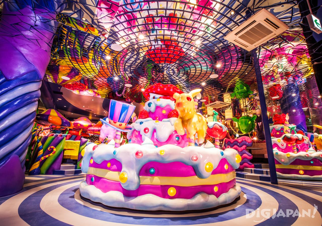 巨大蛋糕型旋转木马