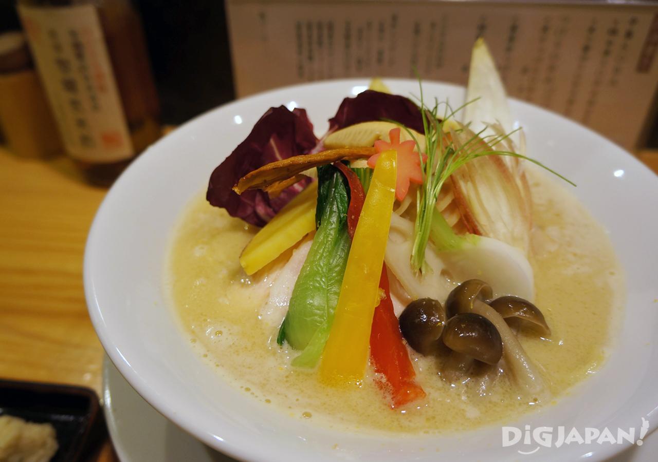 鶏白湯Soba 季節野菜トッピング