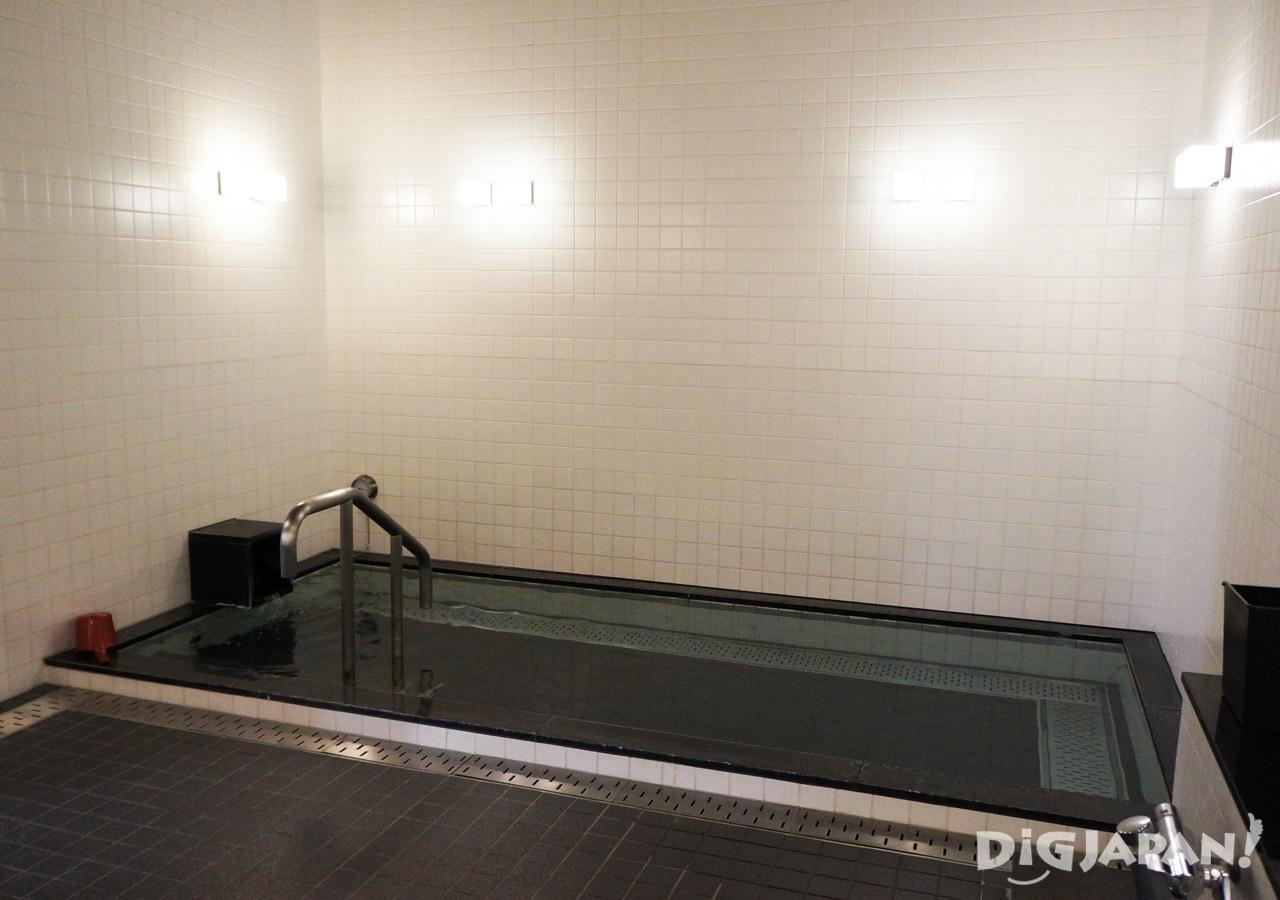 일본 캡슐 호텔 퍼스트캐빈 온탕