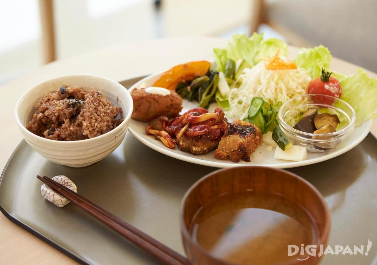 일본 도쿄 아사쿠사 채식 카에몬 정식