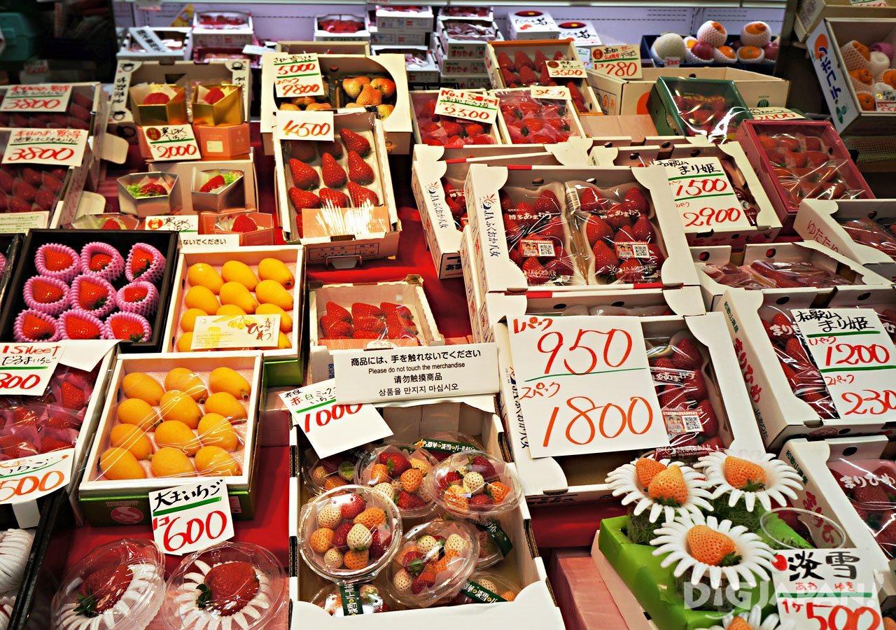 黒門市場_イチゴ