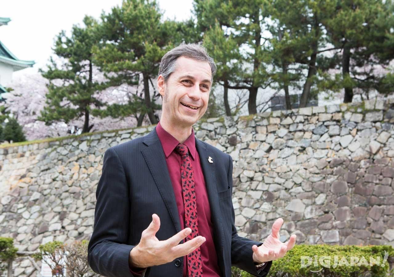 名古屋城再発見ツアーを自ら主催する
