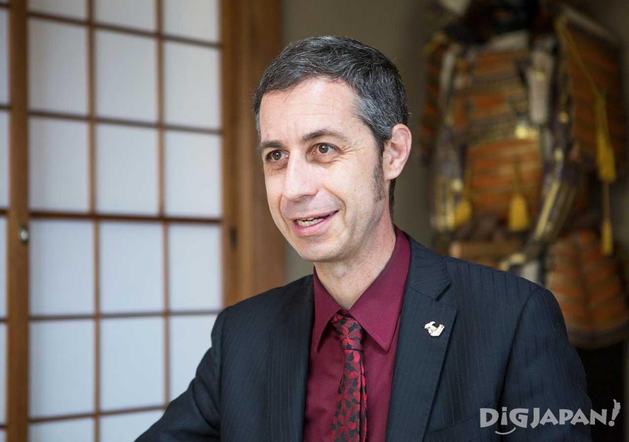 「日本はツーリズムビジネスをもっと真剣に育てていくべき」と熱く語る
