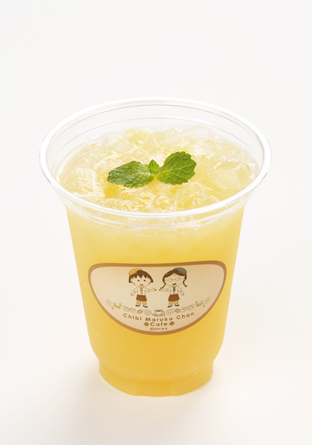 小丸子的新鮮果肉鳳梨汁