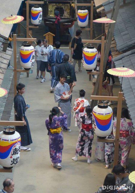 大阪くらしの今昔館_着物で記念撮影