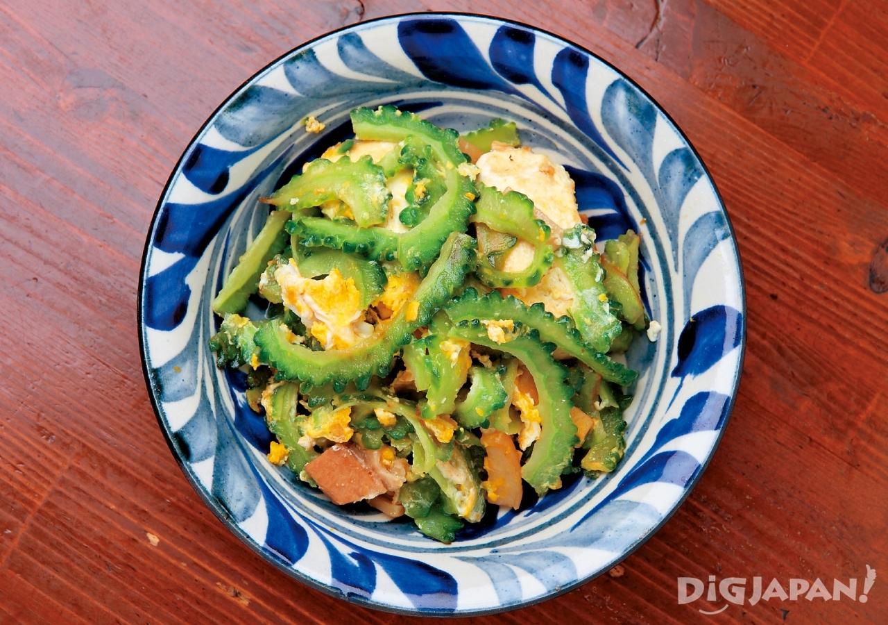 오키나와 현지 음식 로컬푸드 고야참푸루