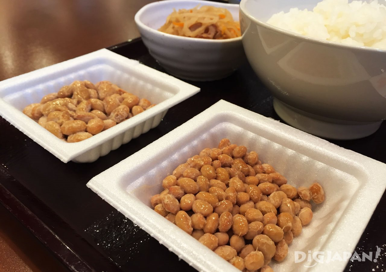 Big daitsubu natto and small shotsubu natto at Sendai-ya