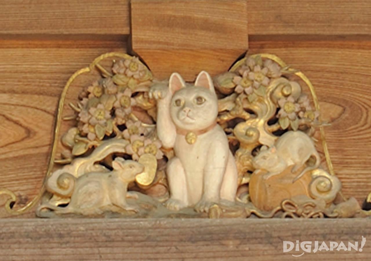 고토쿠지 삼층탑 마네키네코 고양이 클로즈업