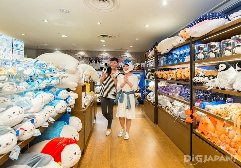 橫濱八景島海島樂園商店內玩偶