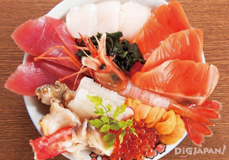 Hokkaido cuisine kaisen seafood donburi
