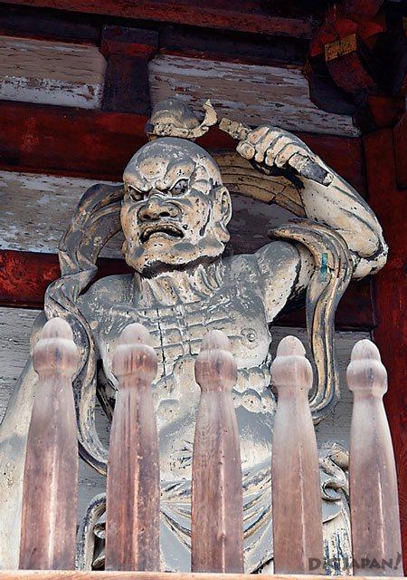 nio kongourikishi at Ninna-ji Temple Kyoto