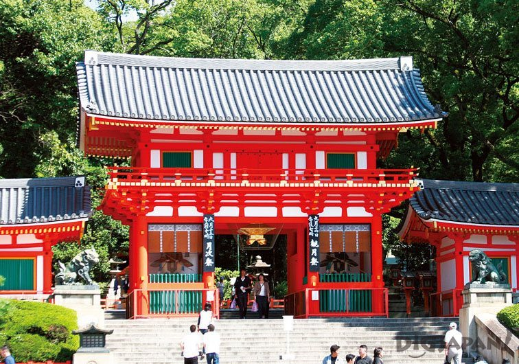 Four Differences Between Japanese Temples and Shrines | DiGJAPAN!