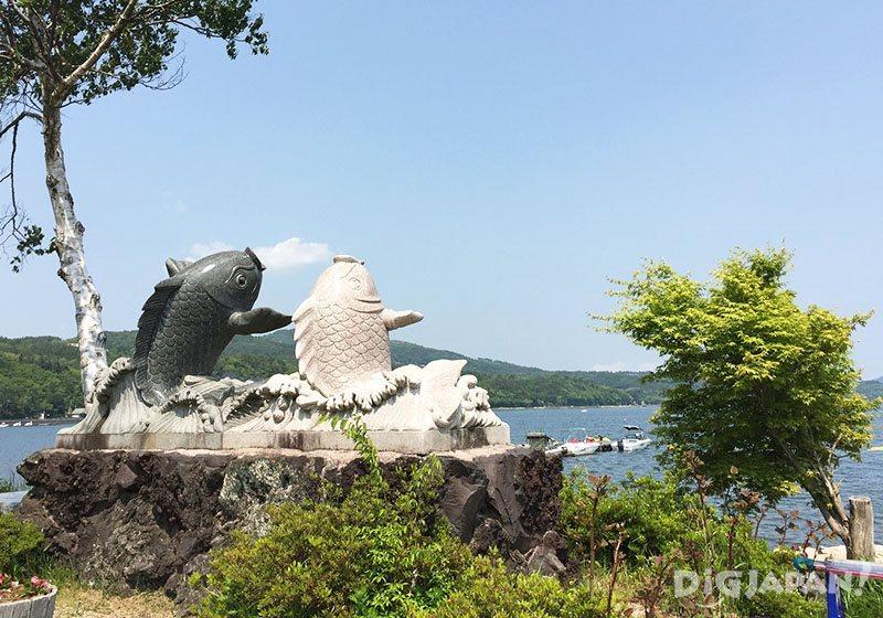 """1 วันกับ """"ฟูจิวิว""""_ปลาคาร์ฟสัญลักษณ์ทะเลสาบยามานาคะ"""