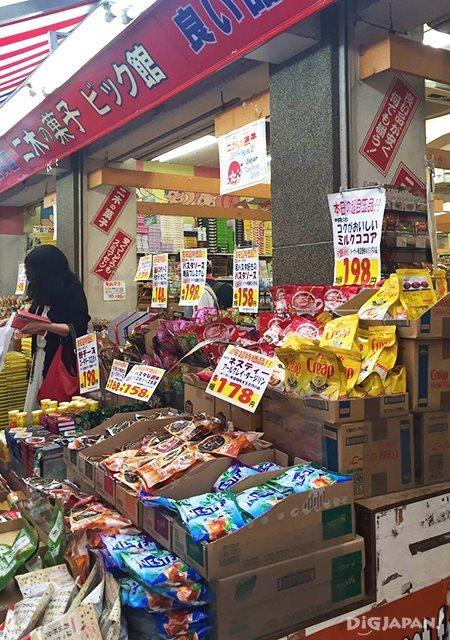 เดินเที่ยวตลาดอาเมะโยโก_ร้านขนม2