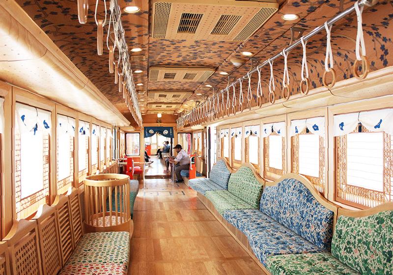 梅星列車車內空間