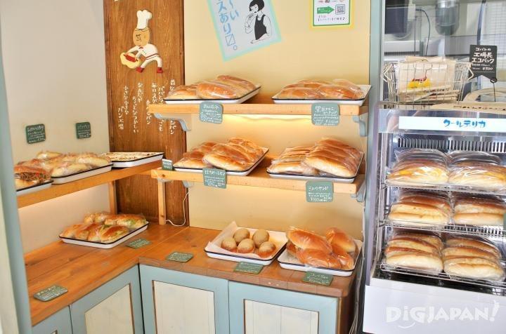 COBATO面包工场店内