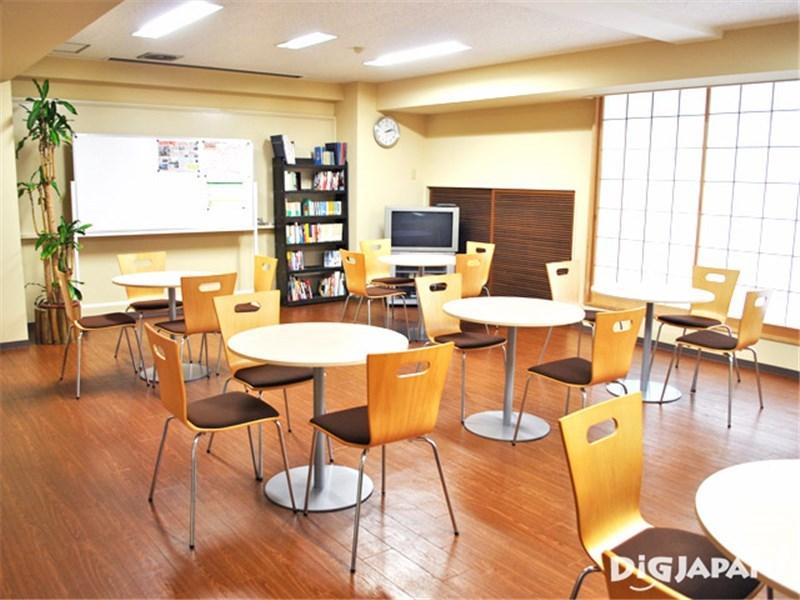 Tokyo Sumidagawa Youth Hostel_โถงชั้น2