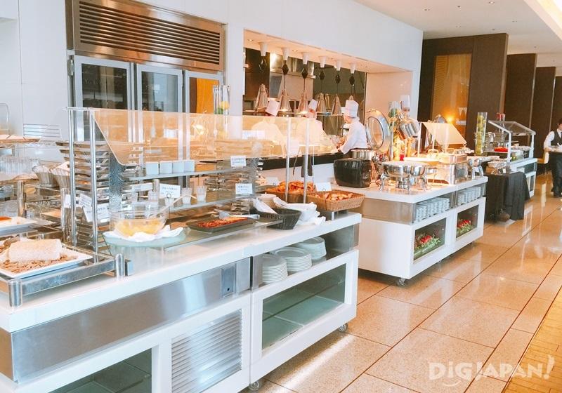 開放廚房和取餐區