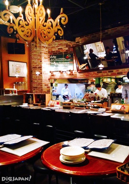 Italian Bar UOKIN店内