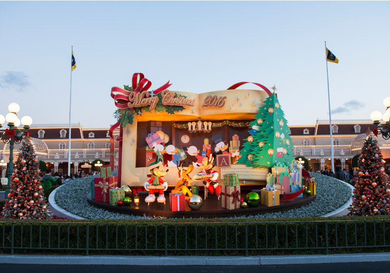 Christmas decoration at the entrance to Tokyo Disneyland