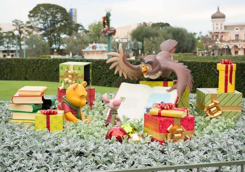 The Winnie the Pooh decoration outside of Cinderella's castle at Tokyo Disneyland