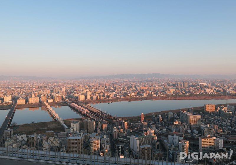 空中庭園屋上から見る朝の街並み