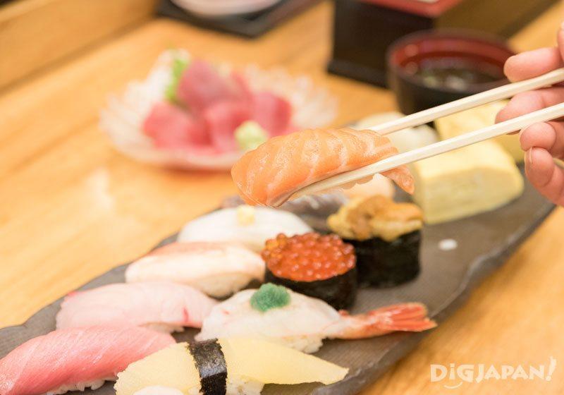 寿司店HAKODATE三文鱼寿司