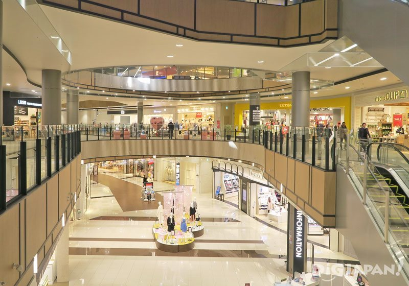 Inside AEON MALL Makuhari New City