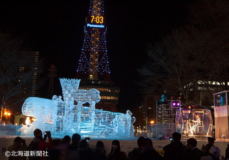 夜間の大氷像
