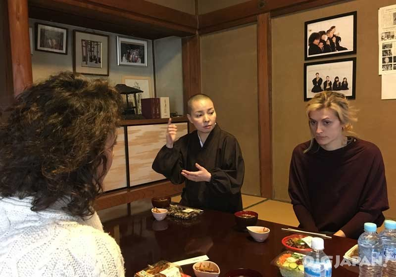 Talking with a Buddhist nun over lunch