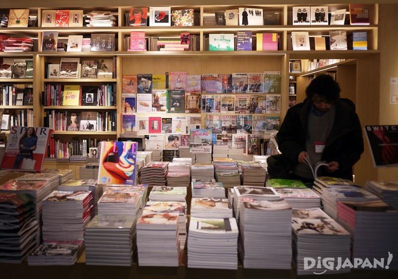 店内以艺术类书籍为主