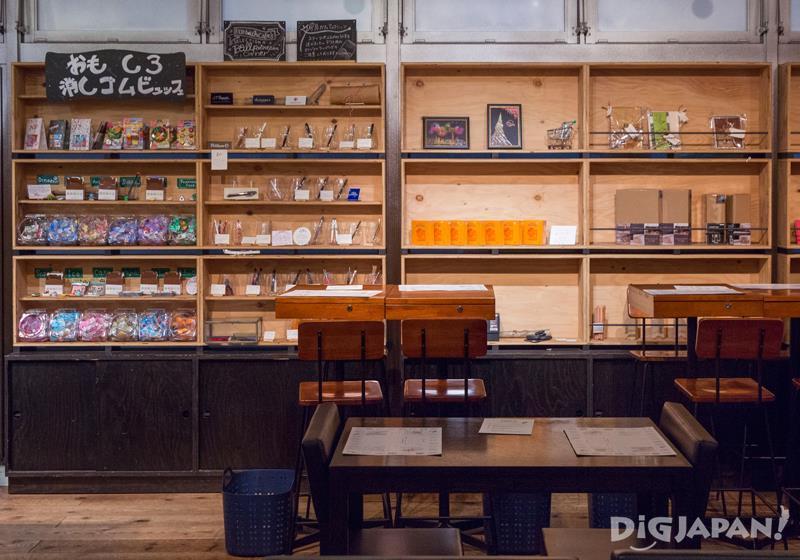 文具咖啡店木桌